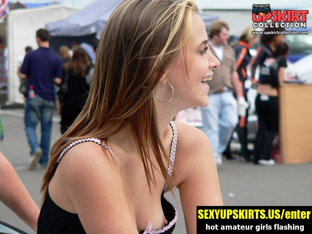 Girls downblouse is spied on the cam - sexy upskirt photos
